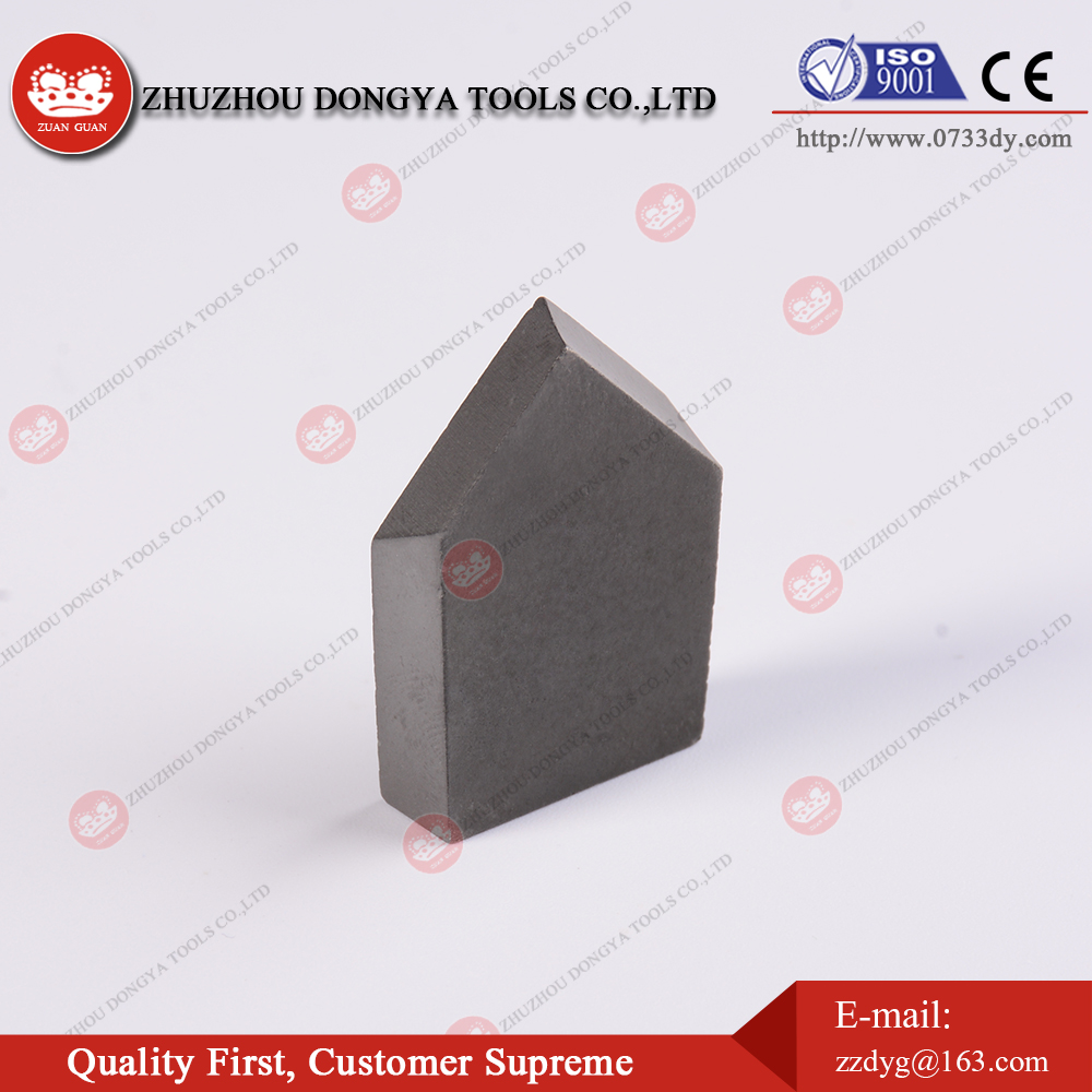 Tungsten carbide brazed tips type C4 for making grooving tools for machining wheels of triangulaf belts
