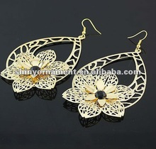 2012 fashion imitation gold plating iron rhinestone cheap earring
