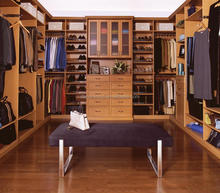 Custom Wooden walk in closet wardrobe cabinetry