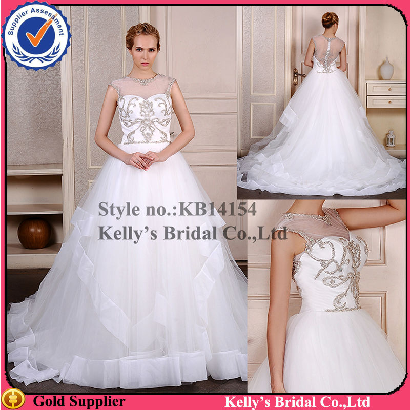 Best selling dresses with the tradictional embrodiery wedding gowns for sale