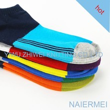 2016 Newest fancy factory wholesale low price pattern custom man crew sock, in high quality sock