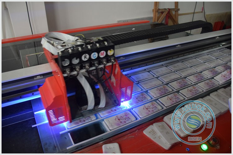 High precision volume production UV flatbed phone case printer