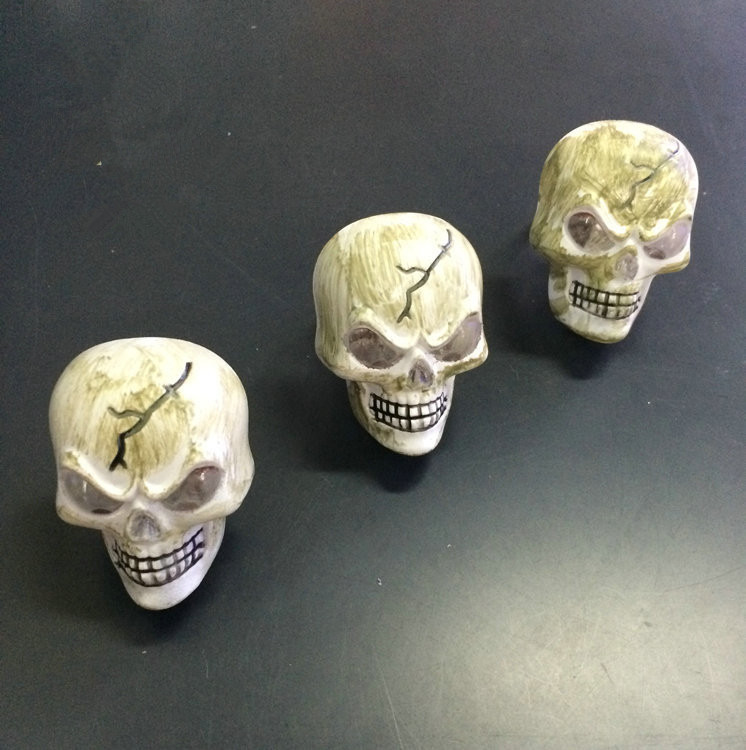 Cheap plastic skull ring with light, Halloween kids ring toy