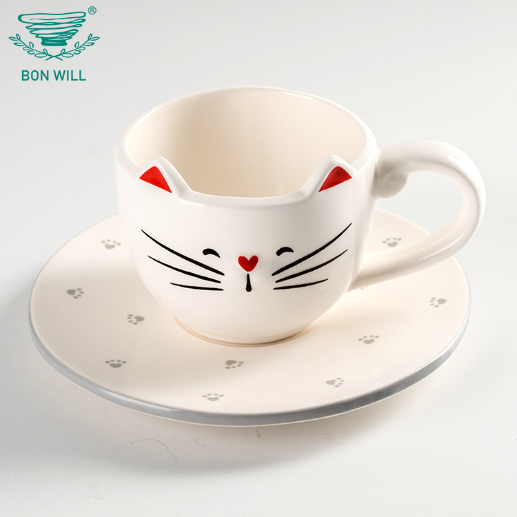 Factory wholesale cat shape durable ceramic hand painted white chinese tea porcelain cup and saucer