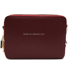CSS1182-001 Hot sale Ladies dark red crossbody bag women genuine leather cosmetic bag with long chain strap