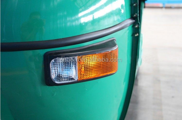 Cheap enviromental 200cc tuk tuk bajaj taxi triciclos for passenger in India