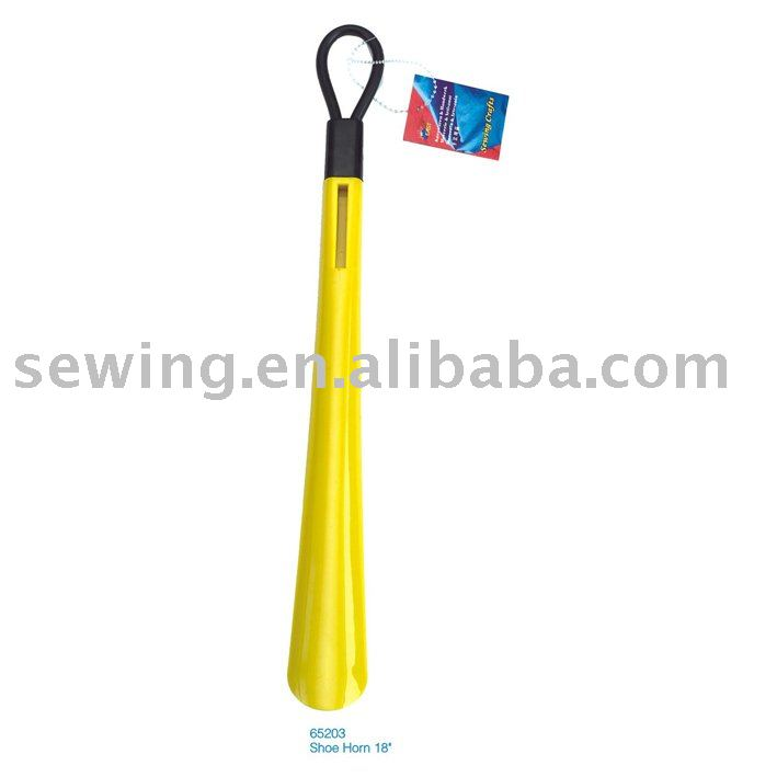 18 Yellow Shoe Horn 65203