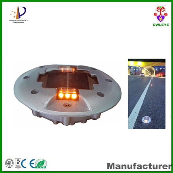 Resist compression 30tons CE IP 68 Aluminum Solar road divider warning light