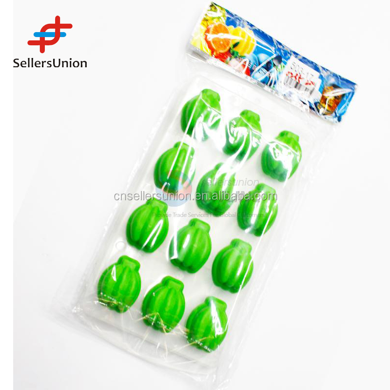 2016 hottest sale No.1 Yiwu export commission agent Green color Banana Shaped Ice Cube Tray/Ice Mould