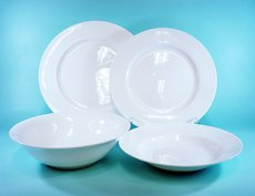 plain white porcelain dinnerware