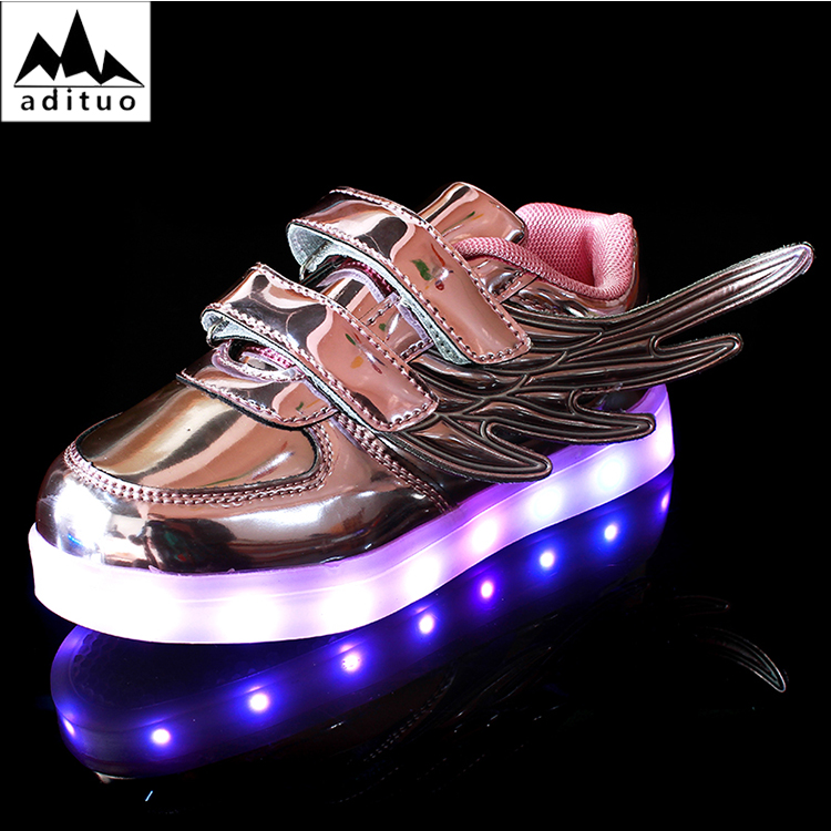 2018 New Fashion Angel Wings Series LED Luminous Sneakers