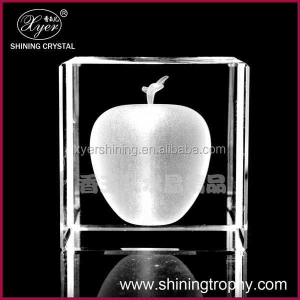 2015 Pujiang Shining 3d laser crystal photo keychain crystal apple for gift