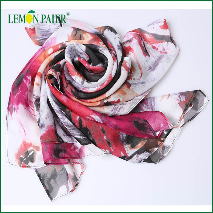 New Design Square Summer Fashion Digital Printing Polyester Chiffon Scarf