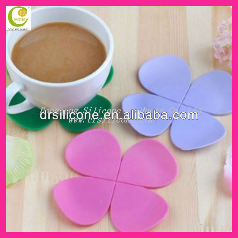Top quality fashion oem logo design pattern customized embossed epoxy silicone drink coasters