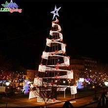 2017 Nice metal frame artificial parts outdoor decoration gaint christmas tree topper