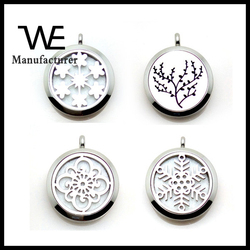 Hollow Snowflake Face Perfume Locket Jewelry Necklace in Stainless Steel