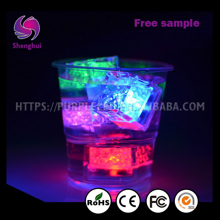 ShengHui Waterproof Color Changing LED Ice Cube Light for Party/Wedding/Bar/Christmas Decoration