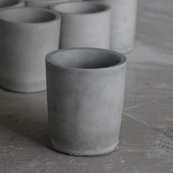 Round white concrete flower pots for garden series