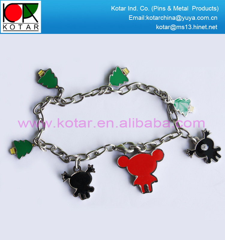 custom cheap fashion metal bracelet with charms