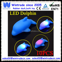 Mini dolphin flashing bath light floating sea animal toy