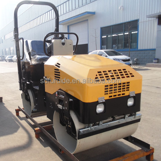 FYL-900 ride on double drum diesel 25hp hydraulic vibration Road Roller