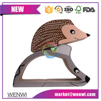 Customized mouse shaped corrugted cardboard cat scratcher