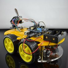 UNO Cellphone controlled 4wd Smart Robot Car Kit for DIY Learner