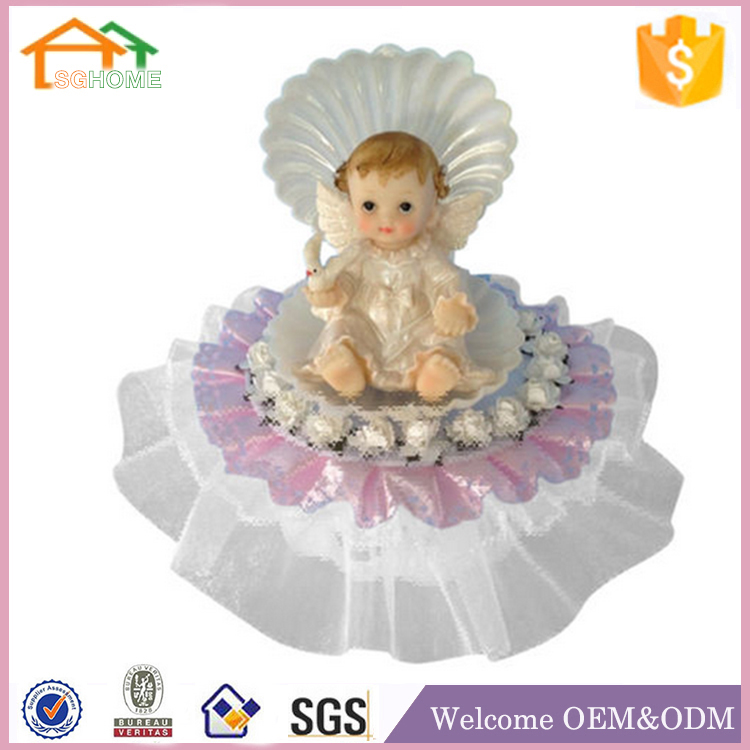 Factory Custom made home decoration polyresin garden holding baby figurine
