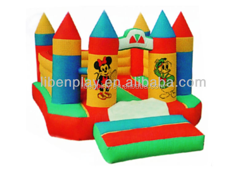 Cheap commercial outdoor inflatable bouncy castle