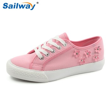 classic women rubber sole shoes with blooms