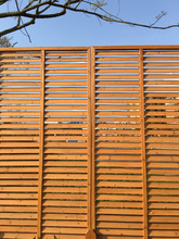 outdoor solid wooden louver fence/wooden screen fence,wooden green screen fence