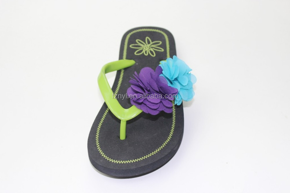 Best selling china custom personalized flower decorated strap lady beach slippers
