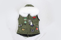 The style of Korea green chapter rust sleeveless fake fur lined vest with real raccoon fur hood collar