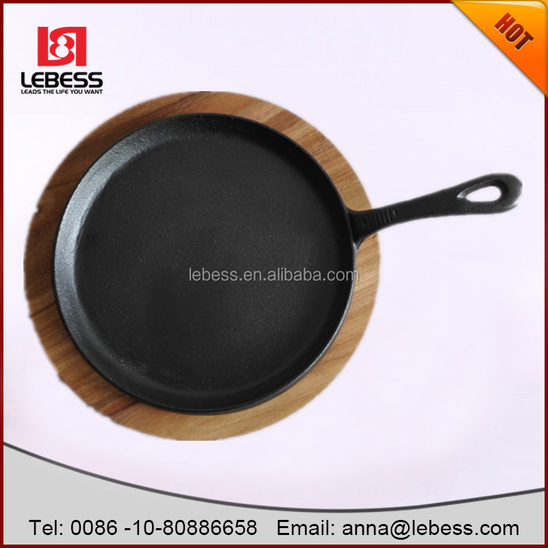 open round baking pan egg fry pan pizza pan with wood plate for sale
