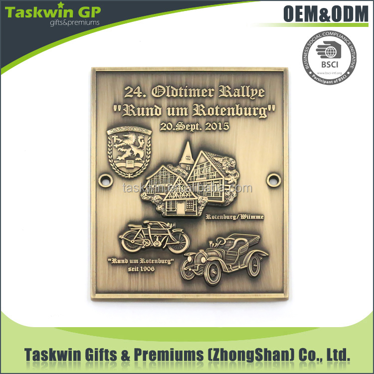 Hot sale new product 3D full cubic design metal antique car pin badge / medal for souvenir