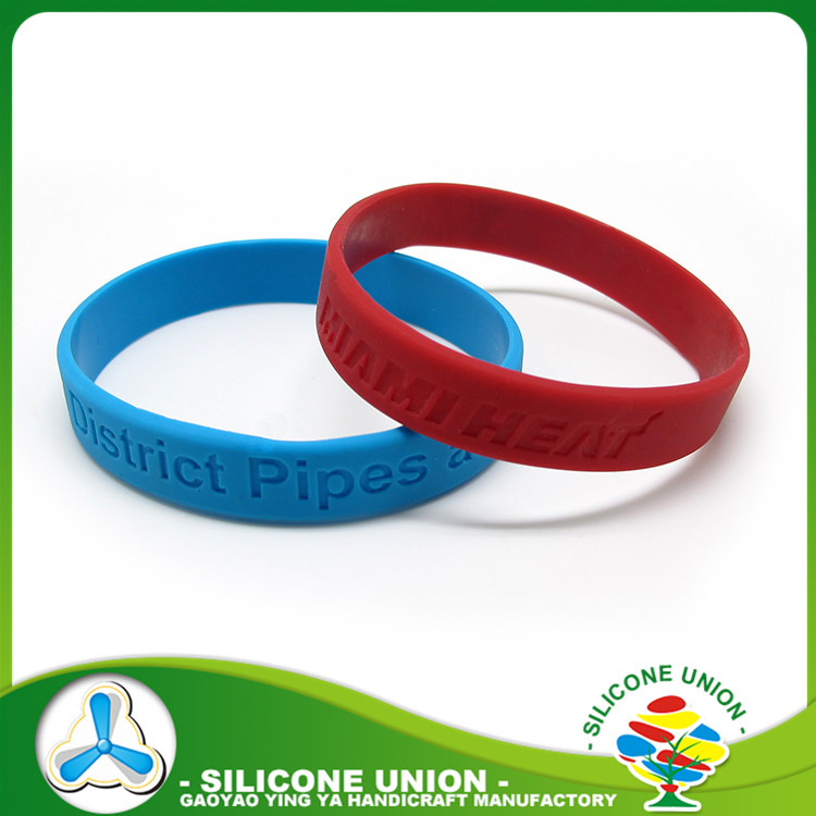 factory price custom debossed design logo rubber personalized bracelets
