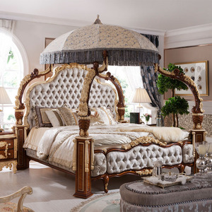 Italian / French Rococo Luxury Bedroom Furniture , Dubai Luxury Bedroom Furniture Set