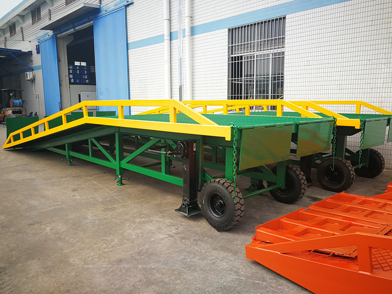 10tons folding type hydraulic steel loading yard ramp