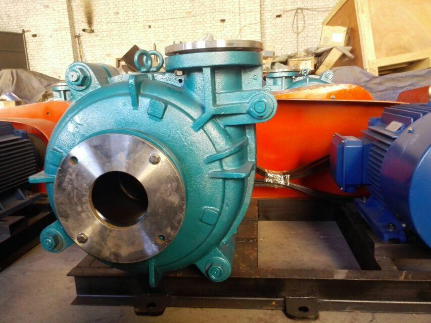 Efficiency pump to dig mud in deep sea with mechanical seal