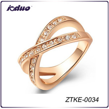 Latest Design Fashion Austrian Crystal 18KGP Gold Ring Jewelry