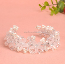 Wedding Decoration White and Red Hair Clasp Petal Design Elegant Wedding Tiara