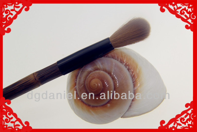1pcs professional Bamboo handle Nail Brush/Cosmetic Nail Brush