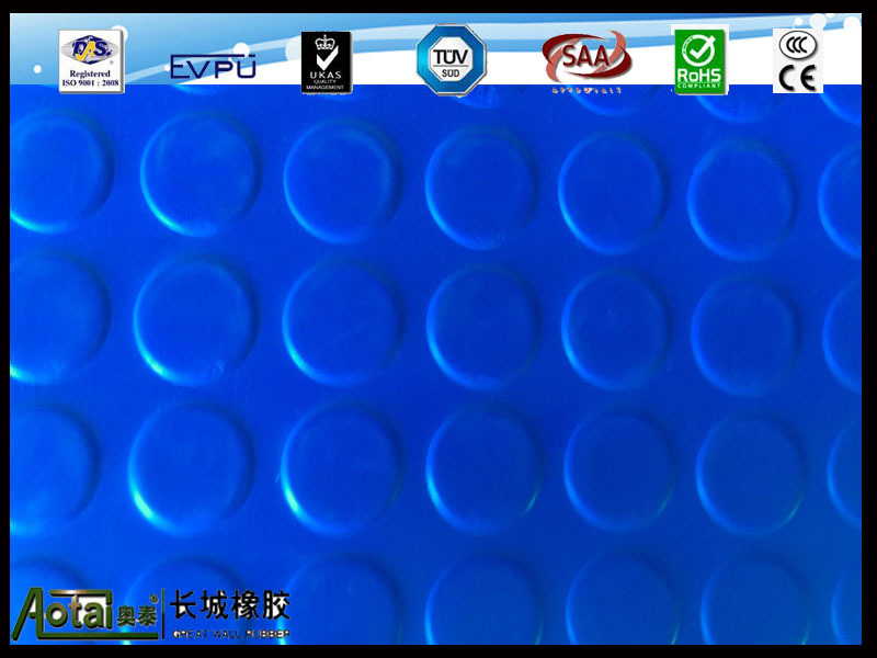 studded pvc and rubber flooring mat