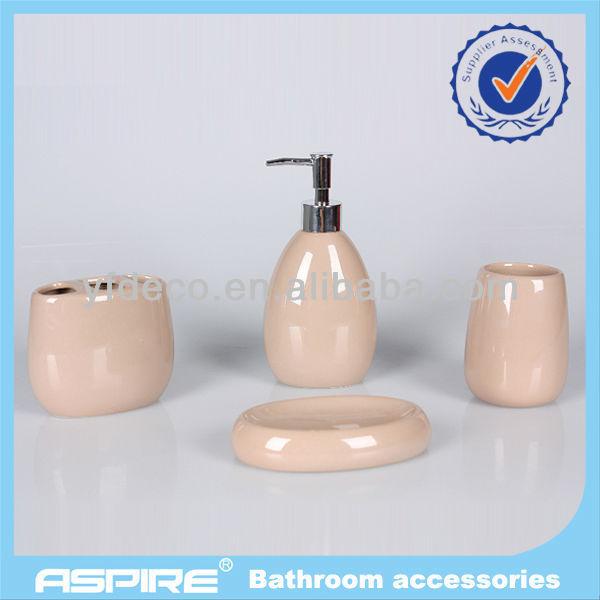 Accesorios de ba o de color marr n para la cer mica sets for Accesorios bano ceramica