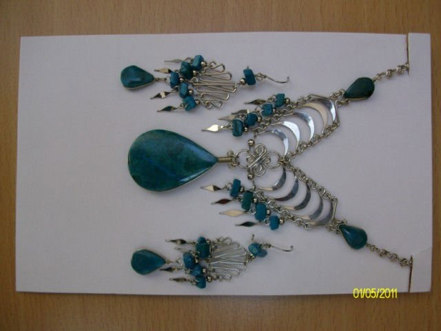 COSTUME JEWELRY WITH PERUVIAN SEMIPRECIOUS STONES