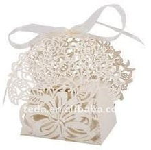 Hot 2012 wedding favour rose flowers sweet box with ribbon,free logo
