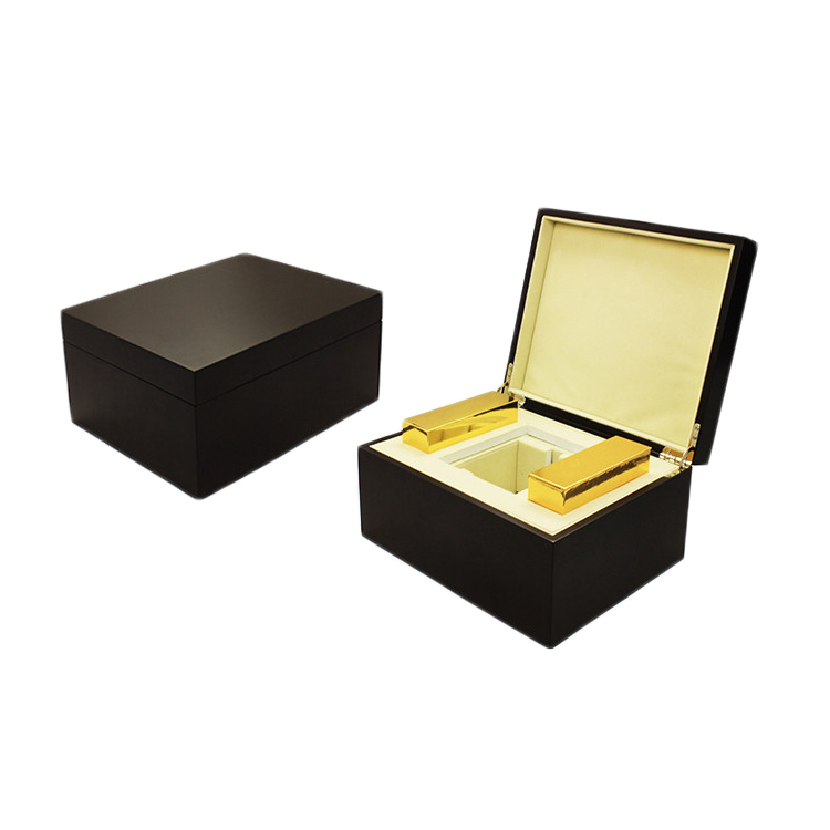 Wholesale Black Lacquered Wooden Perfume Box Packaging