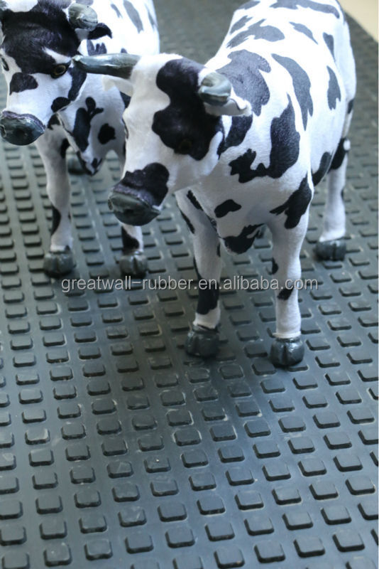 wholesale high quality 8mm rubber small squared cow mat