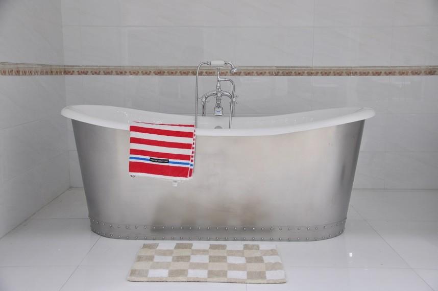 72 freestanding bathroom cast iron bathtub nh 1022 2 for Freestanding tubs for sale
