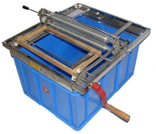 uncapping machine for bee frames